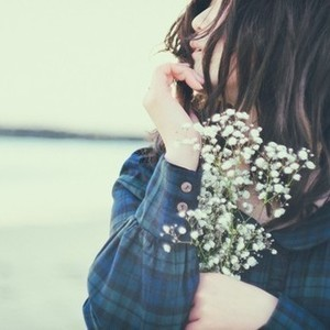 嫉妬心が抑えられず「重い女」と思われていそうで辛い